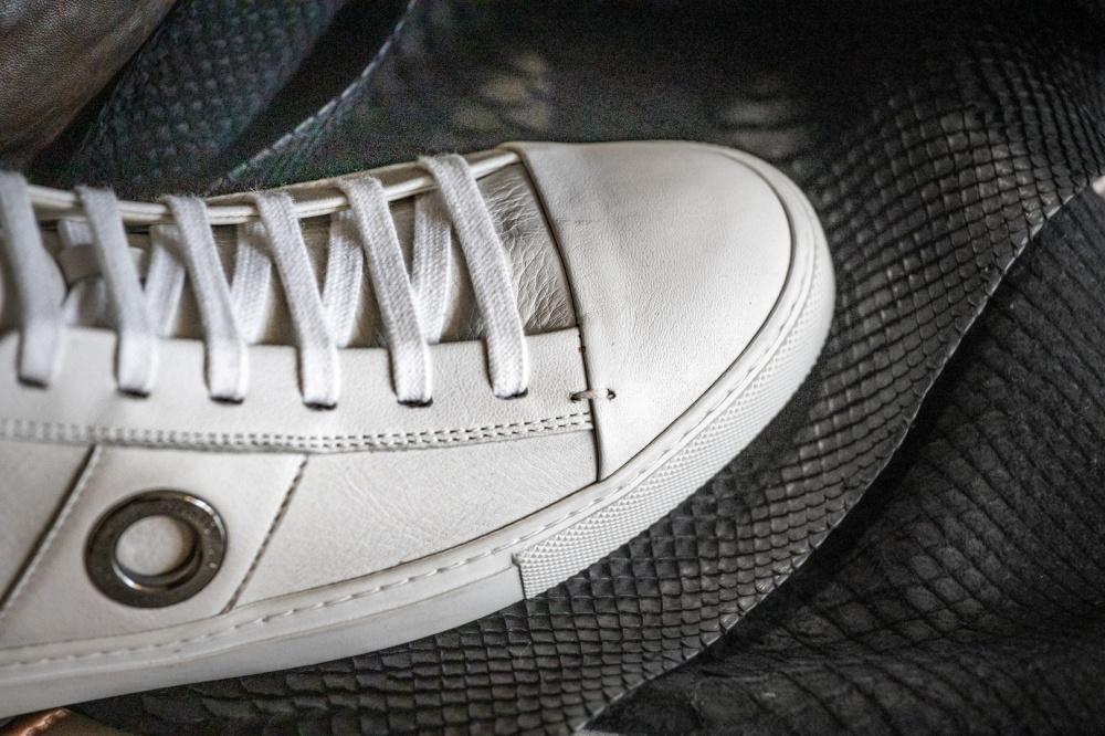 scarpa in pelle bianca
